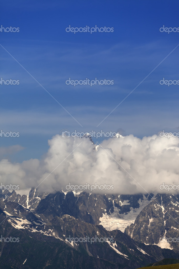 High mountains in clouds. Caucasus Mountains. Georgia, Svaneti — Stock Photo #6523134