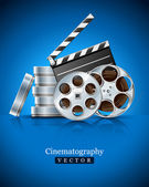 Cinema clapper and video film tape on disc — Vettoriale Stock