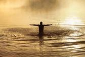 在水中的男性 — 图库照片