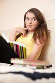 Förvånad kvinnlig student — Stockfoto