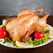 Roast chicken with fresh vegetables — Stock Photo