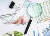 Documento de trabalho com um diagrama — Foto Stock