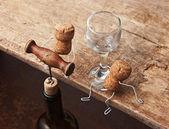 цифры от пробок для вина и бутылка с штопор — Стоковое фото