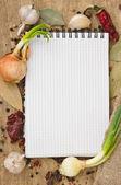 Laptop voor recepten en specerijen — Stockfoto