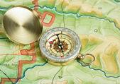 Bússola no mapa — Fotografia Stock