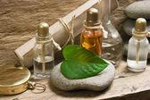 小瓶的香水油的香味实验室 — 图库照片