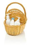 Bottles in basket — Stockfoto