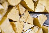 Troncos de abedul en leña — Foto de Stock