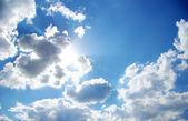 乌云和太阳 — 图库照片