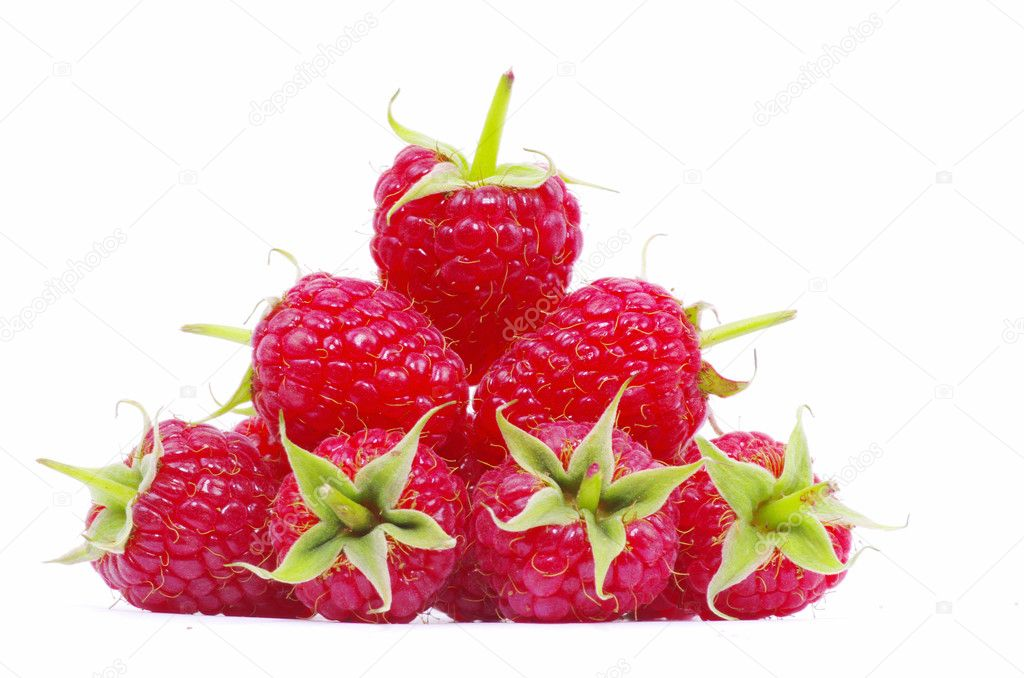 Ripe raspberry isolated on a white background — Stock Photo #6645103