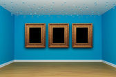 Blue empty room with picture frames — Foto de Stock