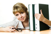 年轻的学生拿着一本书在白色 — 图库照片