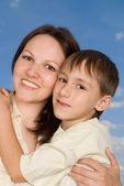 šťastná žena žena se synem — Stock fotografie