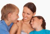 Mama z jej dzieci — Zdjęcie stockowe
