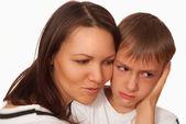 Mère tenant son fils — Photo