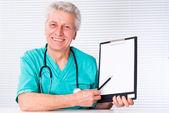 Doctor with tethoscope — Stock Photo