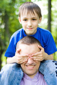 Happy father with son — Stockfoto