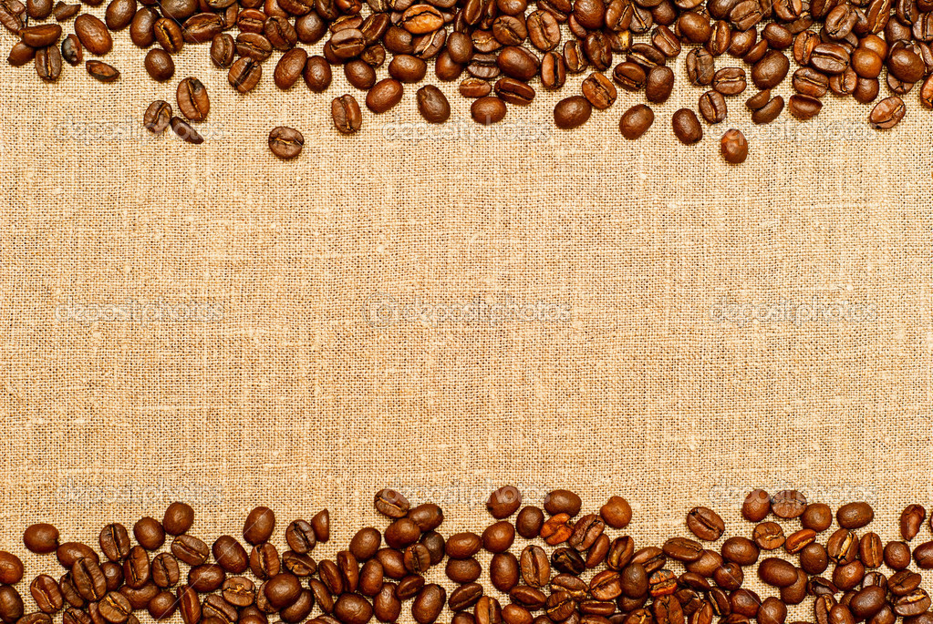 Coffee grains on the burlap backgruond with copy space — Stock Photo #5425468