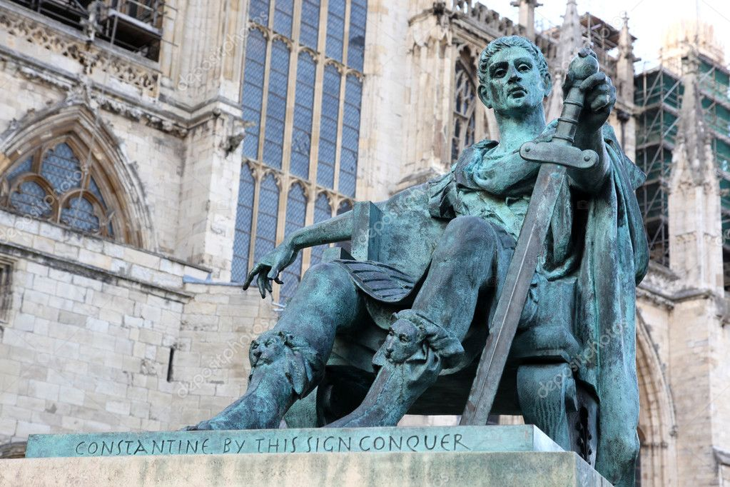 Statue of Constantine I outside York Minster in England , GB — Stock Photo #6499000