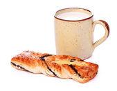 Poppy Pie and Mug of Milk — Stock Photo