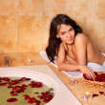 Woman relaxing in bath. — Stock Photo #5737880