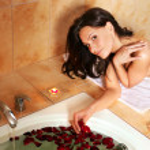 Woman relaxing in bath. — Stock Photo #5737886