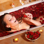 Woman relaxing in bath. — Stock Photo #5737920