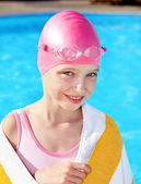 Child swimming in pool. — Stock Photo