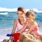 Children playing on beach. — Stock Photo #6140162