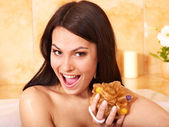 女人带泡泡浴. — 图库照片