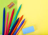 Gros plan des fournitures scolaires de groupe art. — Photo