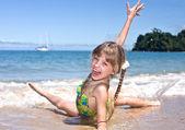 Happy girl at sea beach. — Stock Photo