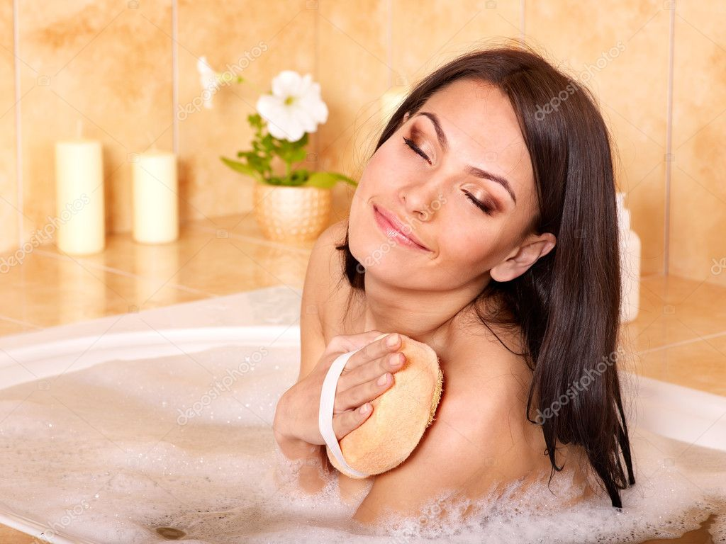 Young woman take bubble  bath. — Stock Photo #6336585