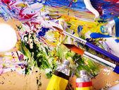 Cerca de la pintura mezclada en paleta. — Foto de Stock