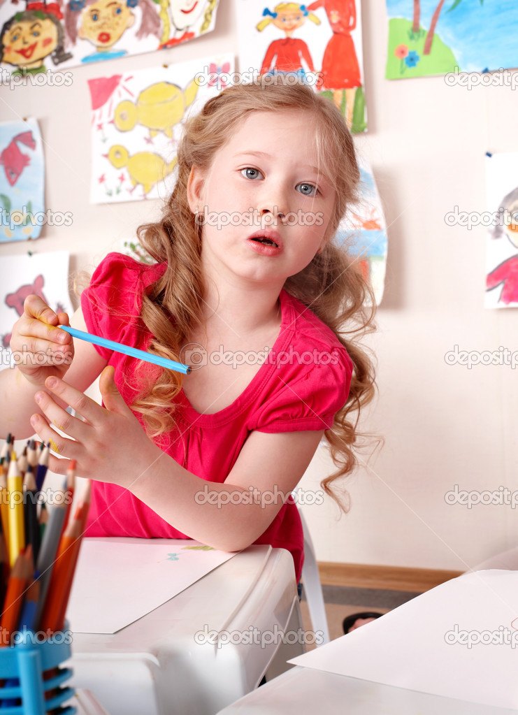 Little girl with colorful pencils . — Stock Photo #6725667