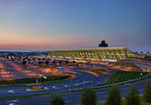 Dulles airport at dawn near Washington DC — Stock Photo