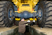Maintenance work of heavy loader — Stock Photo