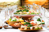 Catering food table set decoration — Stockfoto