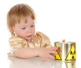 Little girl and radioactivity — Stockfoto