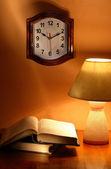 Clock Lamp Books — Foto de Stock