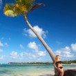 Woman in bikini beach — Stock Photo