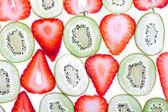 猕猴桃和草莓的背景 — 图库照片
