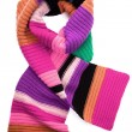 Striped knit scarf — Stock Photo