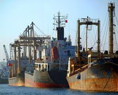 Rusty Industrial Ships at Kaohsiung Harbor — Stock Photo