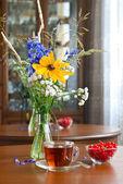 Summer tea — Stock Photo