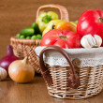 Harvest of fresh vegetables in baskets — Stock Photo #6655709