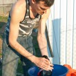 Mhands washes clothes — Stockfoto #5641397