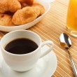 Breakfast coffee and croissants — Stock fotografie