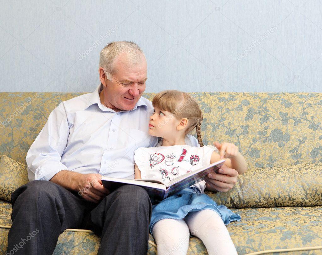 Смотреть дедушка с внучкой 9 фотография