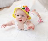 Söt baby i hatt — Stockfoto